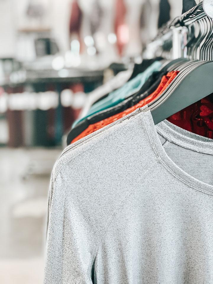 alan-red-shirts